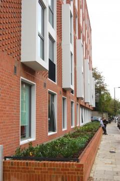 Davis Landscape Architects Ravenscout House London Student Accommodation Landscape Architect Complete Planter